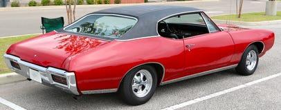 1969 blutrotes klassisches Pontiac GTO Stockfotos