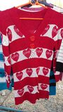 Bluzka, Sleeved czerwony serce Fotografia Royalty Free