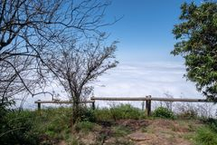 Blyde-Fluss-Schlucht versenkt in Wolke, Panorama-Weg, Graskop, Mpumalanga, Südafrika stockbilder