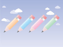 Blyertspenna för 4 färg på himlen royaltyfri foto