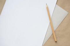 Blyertspenna och ark Royaltyfria Foton