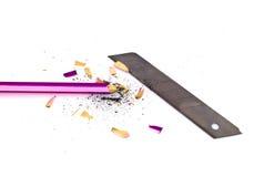 Blyertspenna och sharpener med ett blad royaltyfria bilder
