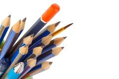 Blyertspennor, borste och penna Royaltyfri Foto