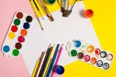 Blyertspennor för målarfärgborstar Royaltyfri Foto