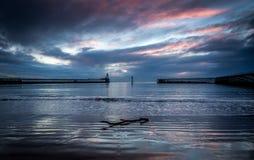 Blythpijlers, Northumberland, bij zonsopgang stock foto