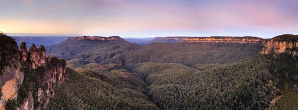 BM 3 sisters Canyon Pan sunrise Royalty Free Stock Photography