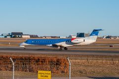 BMI περιφερειακή θλεμψραερ erj-145 αεροπλάνο στον αερολιμένα της Κοπεγχάγης Στοκ φωτογραφίες με δικαίωμα ελεύθερης χρήσης