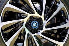 BMW商标,在轮子 库存照片