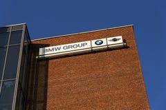 BMW小组在捷克总部修造的公司商标 图库摄影