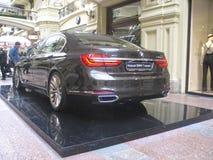 BMW的100年 国务院商店 莫斯科 7个bmw系列 免版税库存图片