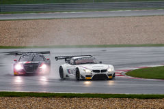 BMW против аудиторий Стоковое фото RF