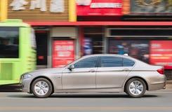 BMW 5系列longwheel基地在市中心,温州,中国 免版税库存图片