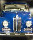 BMW 1959德国人葡萄酒汽车前面关闭502  库存照片