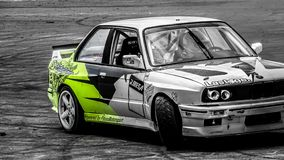 BMW bianco E30 VB Turbo che drfting fotografia stock