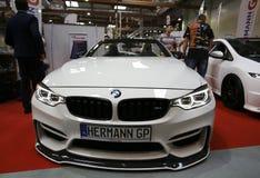 BMW Cabrio angezeigt an der 3. Ausgabe von MOTO-ZEIGUNG in Krakau Lizenzfreie Stockfotos