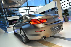 BMW coupe gran 6 серий на дисплее на мире BMW Стоковые Изображения RF