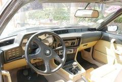 BMW 635 CSI-Coupébinnenland bij zuiden van Lima wordt tentoongesteld dat royalty-vrije stock afbeeldingen