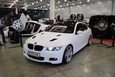 BMW della terza serie di colore bianco nell'Expo 2012 del croco Fotografie Stock Libere da Diritti