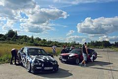 BMW E34, E36漂泊汽车 库存图片