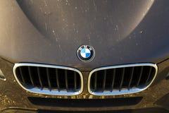 BMW-embleem op auto op 31 Maart, 2017 in Praag, Tsjechische republiek Britse BMW arbeiders achterstaking over pensioenen Stock Afbeeldingen