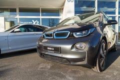 BMW emblem på en bmw-bil royaltyfri bild