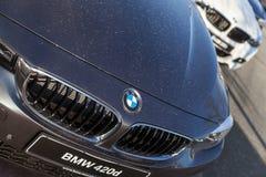 BMW emblem på en bmw-bil royaltyfria bilder