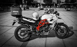 BMW F 700 GS polismoped royaltyfria bilder