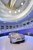 BMW GINA Light Visionary tela-peló el coche del concepto en la exhibición en el museo de BMW Foto de archivo