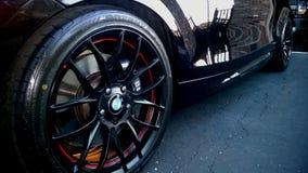 2010 BMW 135i习惯轮子 免版税库存照片