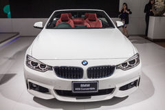 BMW 420i敞篷车正面图  库存图片