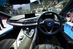 BMW i8杂种生产汽车内部在显示的 库存照片