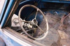 老生锈的汽车, BMW Isetta 免版税库存图片