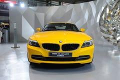 BMW jaune Z4 sDrive23i image libre de droits
