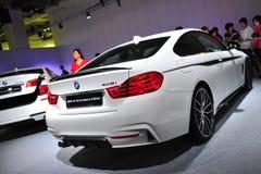 BMW kupé för 4 serie på skärm på BMW världen 2014 Royaltyfri Bild
