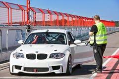 BMW mit offener Tür 27. August stockbild