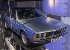 BMW museet i Munich, Tyskland arkivfoton