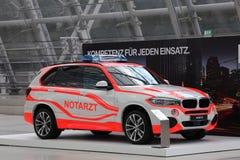 BMW X5 Notarzt (den nöd- doktorn) Arkivfoto