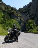 BMW R1200R RC8R przy Parc naturel régional des Grands Causses i KTM obraz royalty free