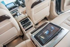 BMW 7 Reihen-Innenraum stockfotos