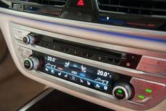 BMW 7 Reihen-Innenraum stockbild