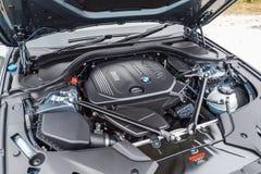 BMW 5-Series motor 2017 Arkivbild