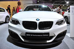 BMW un'automobile sportiva 2 di serie del compatto su esposizione al mondo 2014 di BMW Immagine Stock