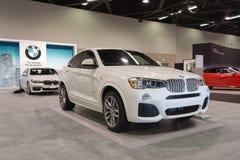 BMW X4 på skärm Royaltyfri Bild