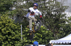 BMX-akrobat Royaltyfri Fotografi