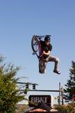 BMX Freistil Vert Bremsung Lizenzfreie Stockbilder