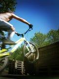 Bmx hoppar rörelse Royaltyfria Bilder