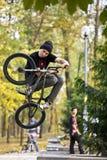 BMX invertido Fotografia de Stock Royalty Free