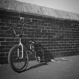 Bmx på tegelstenvägg 2 Fotografering för Bildbyråer