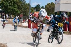 BMX-Rennen lizenzfreie stockbilder