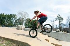 BMX Rider Doing Tricks Fotografía de archivo libre de regalías